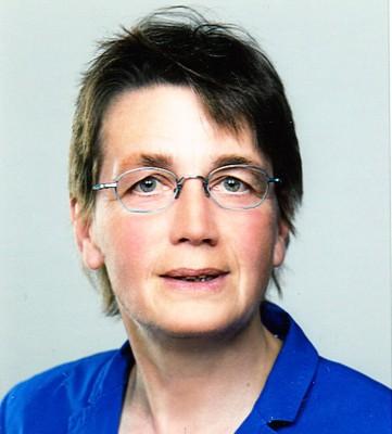 Dr. Barbara Henze