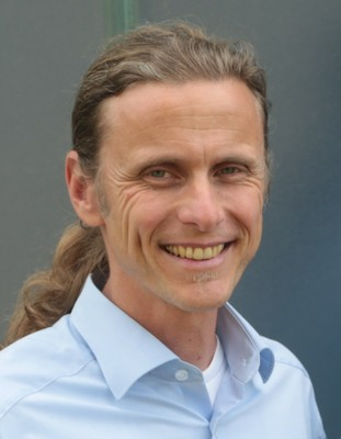 Dr. Peter Koltay