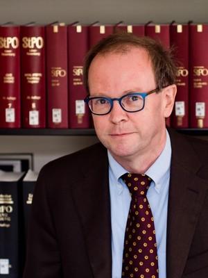 Prof. Dr. Walter Perron
